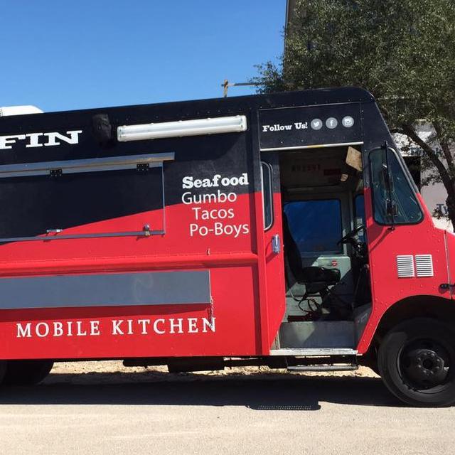 RedFin Mobile Kitchen logo